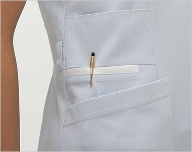 収納力が豊富な多機能ポケット