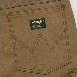 AZ64451 Wrangler(ラングラー) ノータックカーゴパンツ(男女兼用) ブランドロゴを象徴的に魅せるデザインステッチ入りの右側ヒップポケット