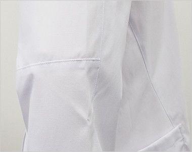 MZ-0056 ミズノ(mizuno) メンズハーフコート(男性用) 腕の上下運動時などの引きつられる感覚を抑えた独自の動的機能裁断法「Dynamotion Fit」を採用。