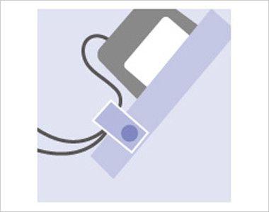 7042SC FOLK(フォーク) パントン スクラブ(男女兼用) ポケット口PHS・PDA落下防止タブ ストラップを留めるタブを装備し落下を防ぎます。