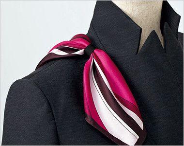 EAV587 enjoy ベスト チェック 衿もとにスカーフのズレを防ぐループが付いています。ワンタッチで形が決まります。